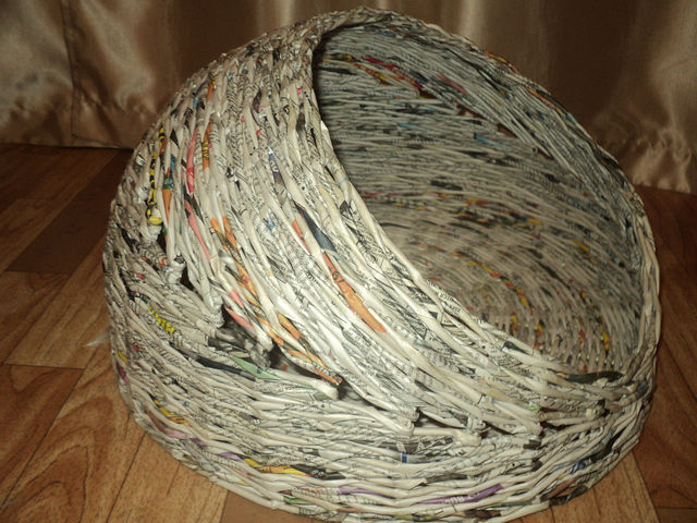 Lodge of newspaper tubes 2